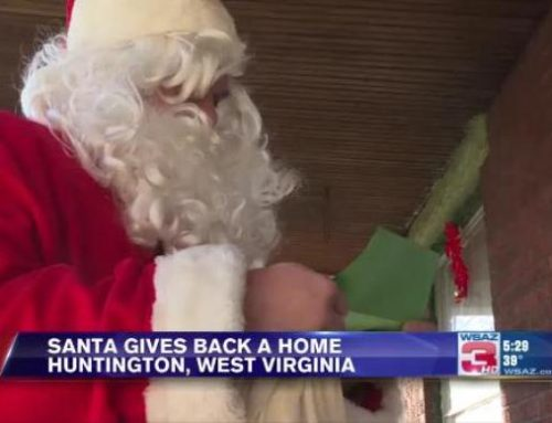 Man Gifts Foreclosed Home Back to Family